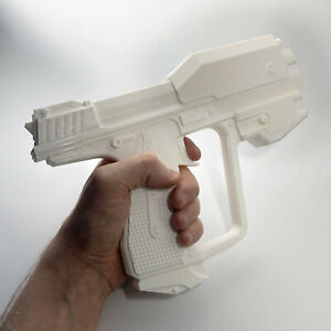 Halo-M6G-Magnum-Pistol-3D-Printed-Cosplay-Game-Prop-Replica-Halo-3-Halo-Reach