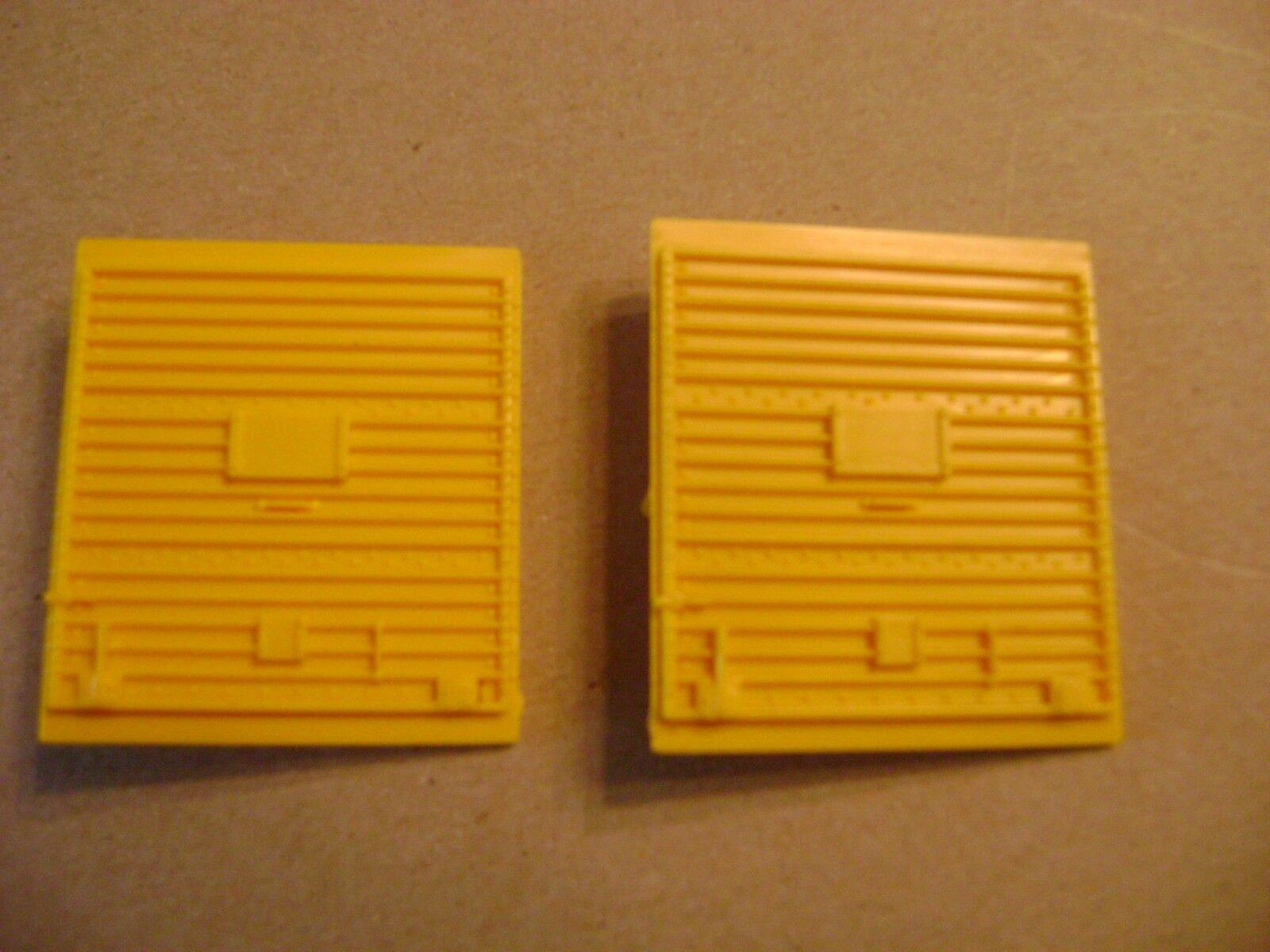 Lionel Original Two Panel Yellow Plastic 6464 Box Car Doors, (set of two)