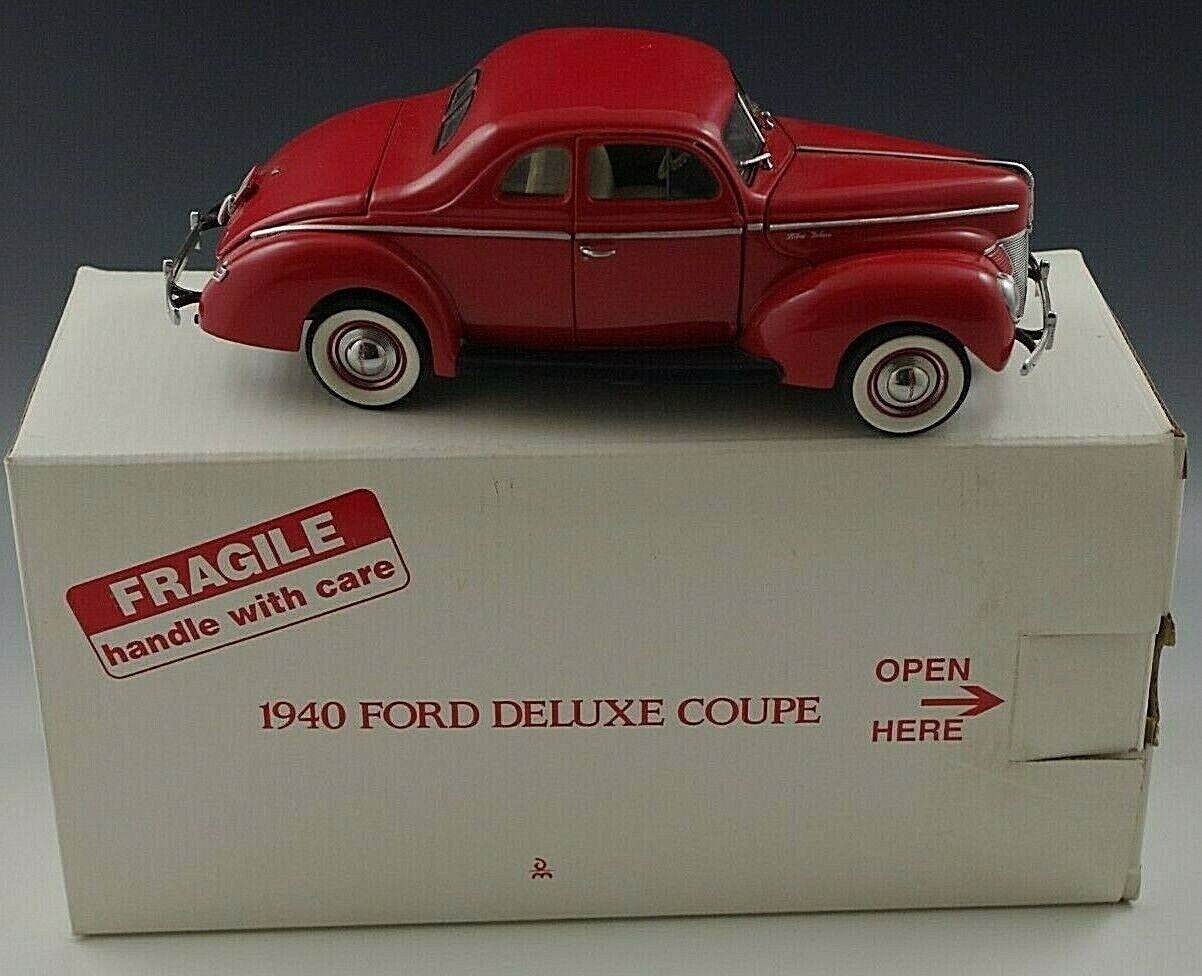 DANBURY MINT 1940 FORD DELUXE COUPE CAR 1 24 SCALE DIE CAST MIB