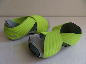 Nike-Studio-Wrap-2-Print-Women-Training-Yoga-Dance-Volt-629348-701