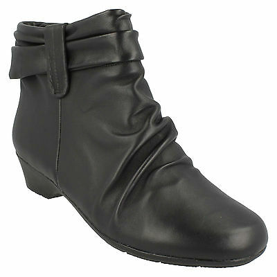 "Clarks /'Matron Ella/' Black Leather Zip Up 1.25/"" Wedge Heel Ankle Boots E Fit"