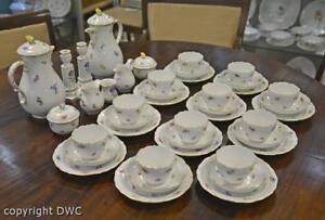 Kaffee-Tee-service-Original-Meissen-Dekor-Streubluemchen-Goldrand-Blume