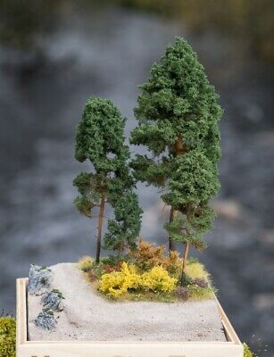 WINTER EVERGREENS-Correct Sized for Z Scale 24 Pack o Z HAND CRAFTED TREEZ