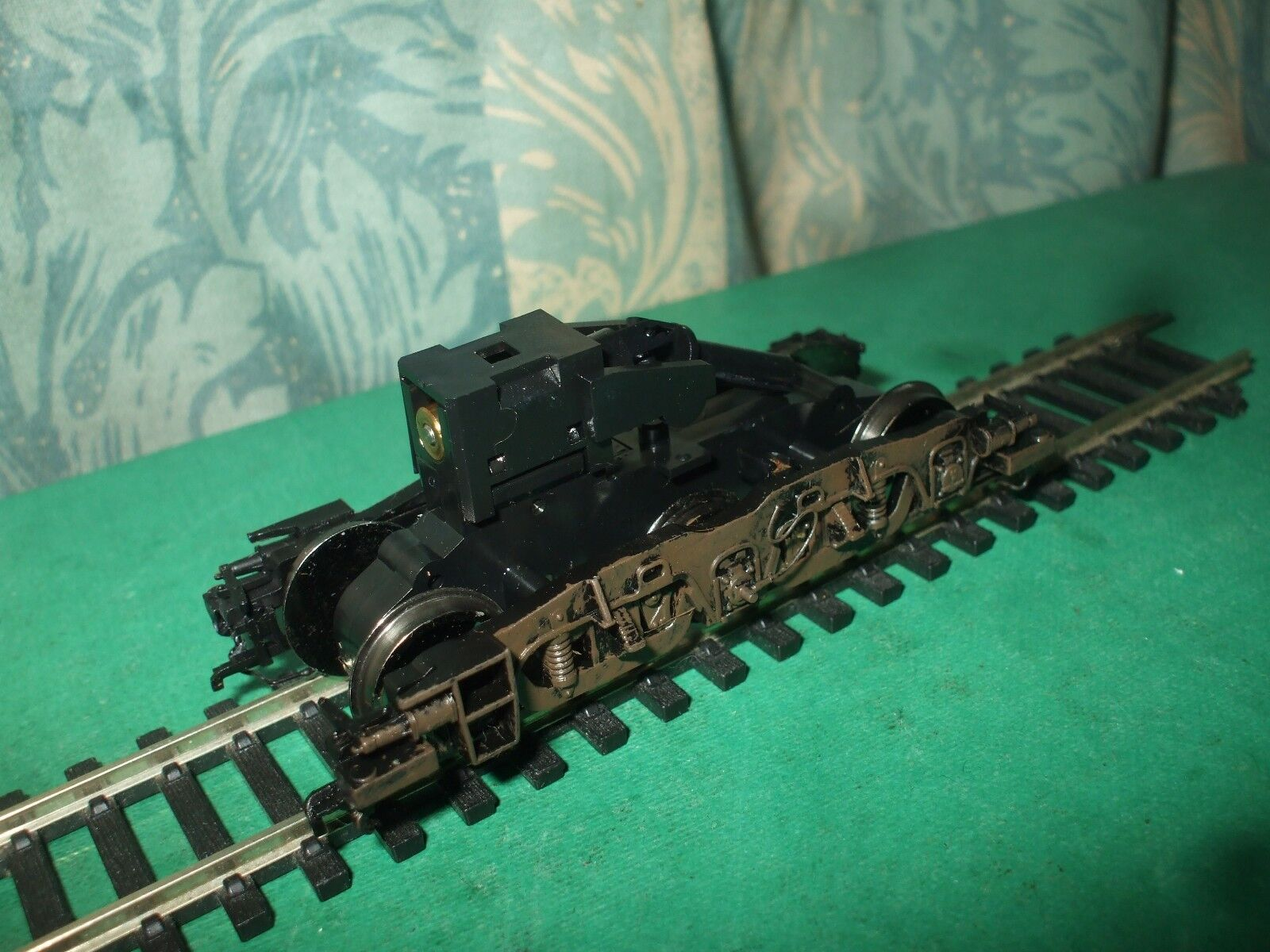 HORNBY CLASS 31 BOGIE WITH GEARBOX ONLY - WEATHERED (JT)