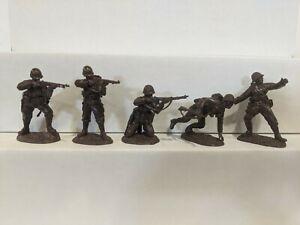 Conte-WWII-U-S-GI-039-S-Bloody-Omaha-5-Figures-Dark-Brown-Color-1-32-B