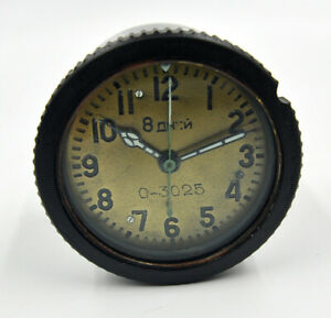RARE-USSR-Russian-Soviet-Military-Tank-Panel-Clock-8-Days-0-3025-1944-year
