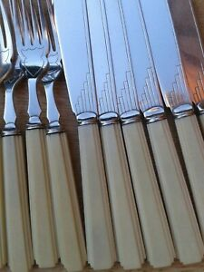 Stunning-ART-DECO-Fish-Knives-Forks-1920s-Stylish-Sharp-Design-English
