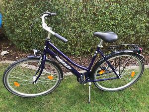 28 zoll pegasus damenrad frauen fahrrad blau guter zustand. Black Bedroom Furniture Sets. Home Design Ideas