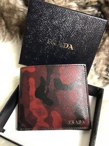2c6e2dfccea3 NWT AUTHENTIC Prada Mens Bifold Wallet Red Camo Print Saffiano ...