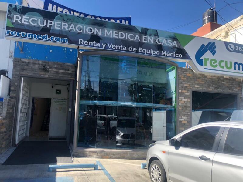 LOCAL EN RENTA EN EXCELENTE UBICACION EN LOMAS DE GUEVARA, EN GUADALAJARA.