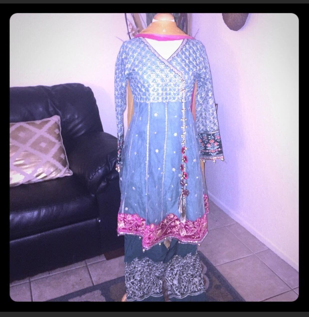 Latest Pakistani Women Clothes, Size M