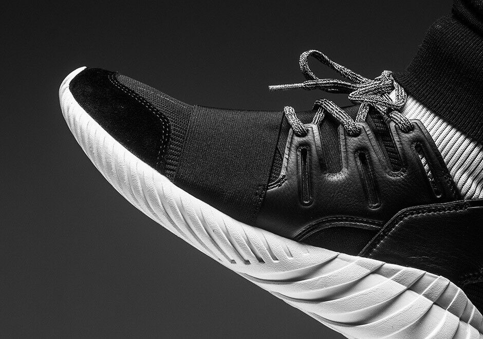 Adidas originals tubuläre doom schwarz