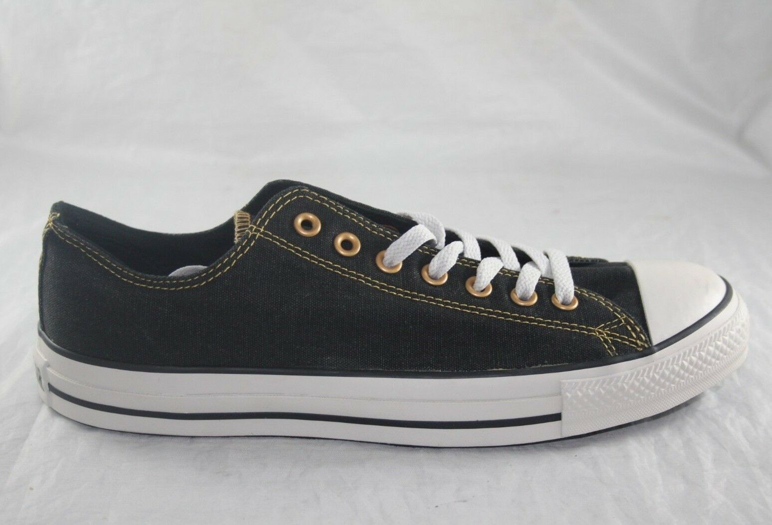 MEN'S CONVERSE 105803F BLACK WHITE LOW CANVAS CASUAL SHOE SIZE 11 BRONZE STITCH