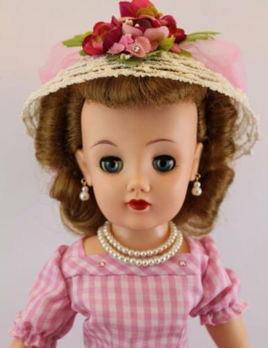 """IVORY Pearl Double Stand Set for Cissy 18-22/"""" Miss Revlon Vintage Fashion Doll"""