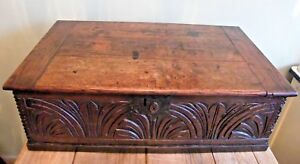 A FINE LARGE ANTIQUE CARVED OAK EARLY 18th CENTURY CHURCH BIBLE BOX CHEST