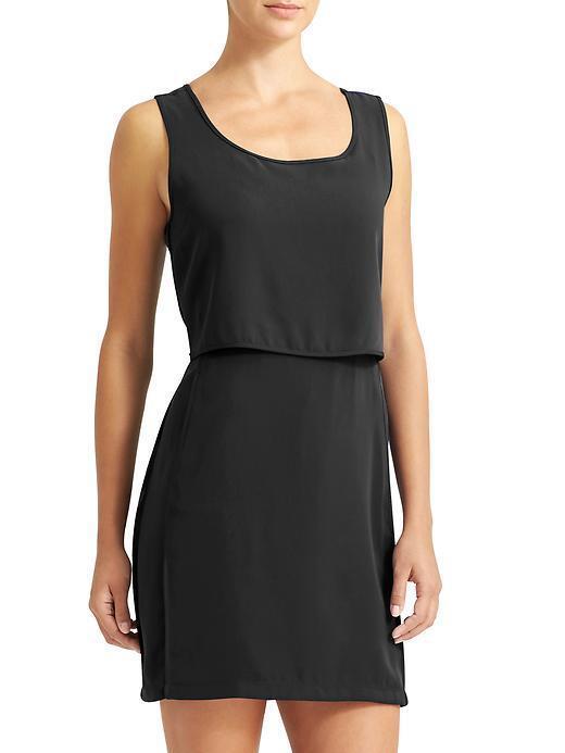 NWOT Athleta Getaway Dress, schwarz Größe L