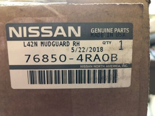 UNPAINTED NEW OEM NISSAN MAXIMA 2016-2020 PASSENGER SIDE ROCKER MOLDING