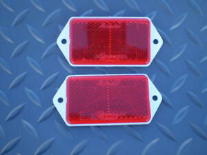 Land-Rover-Defender-90-110-rear-red-reflectors-MWC1722