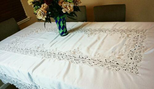"54x72/"" Embroidery Cutwork Embroidered Tablecloth Napkin White//Beige Elegantlinen"