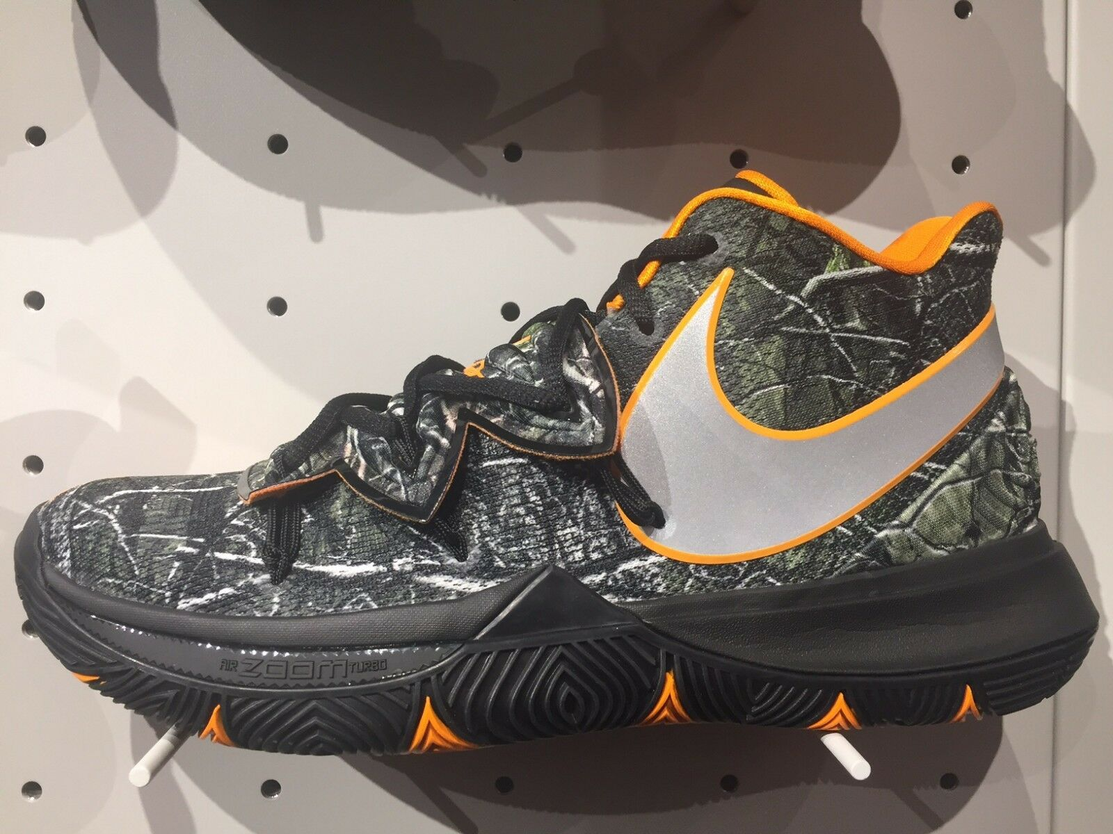 outlet store 2236a 18046 Nike Kyrie Irving 5 Taco Taco Taco PE Black orange AO2918-902 Wood Camo GS