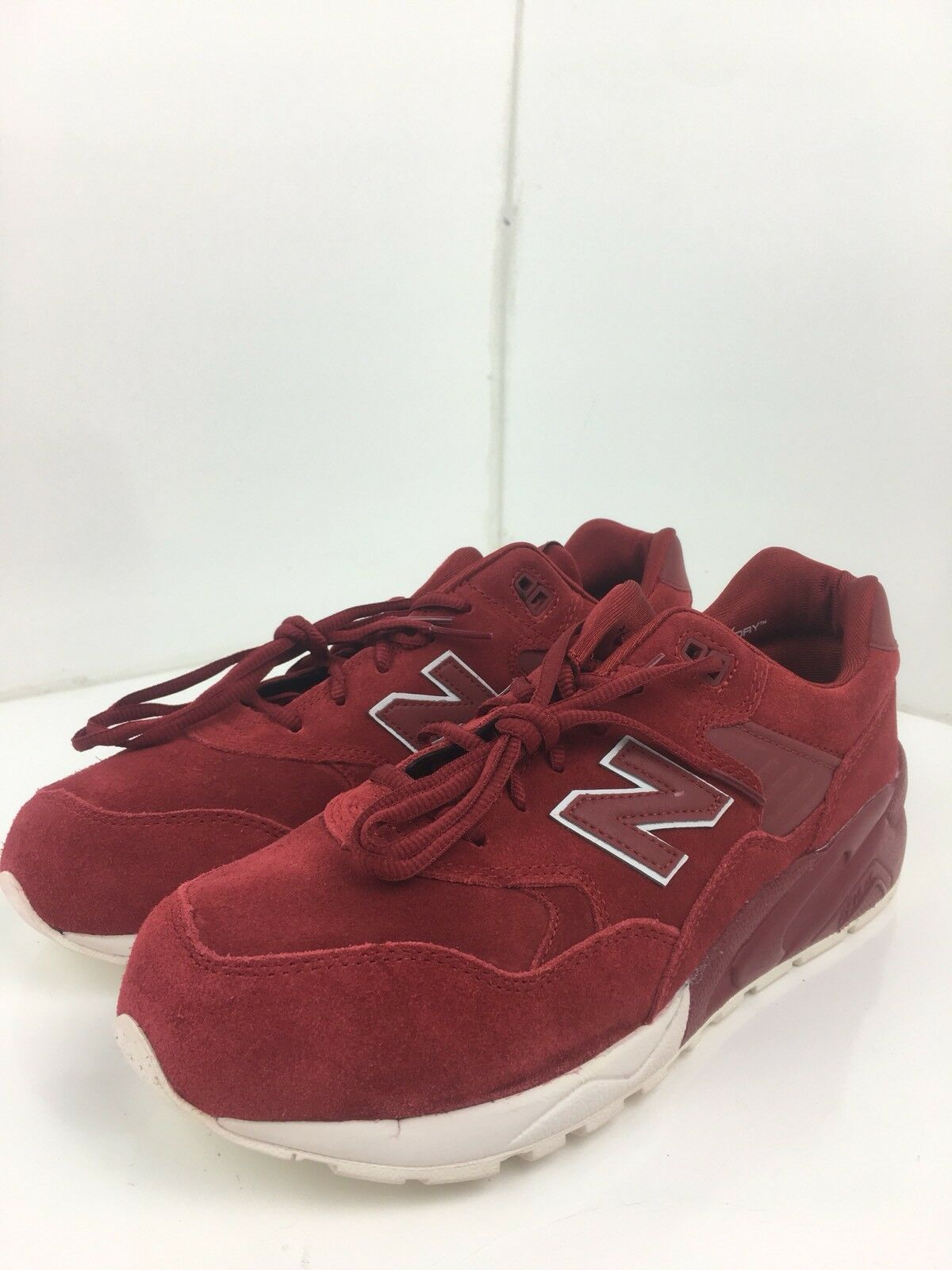 New Balance MRT580BR Lifestyle Tonal Pack Red White Suede Lace Up Shoes Sz 9.5