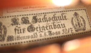 4-4-Violine-aus-der-Fachschule-fur-Geigenbau-Mittenwald-1917-Geige