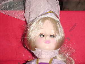 Vintage-Effanbee-Storybook-Doll-withTALL-HAT-AND-VEIL