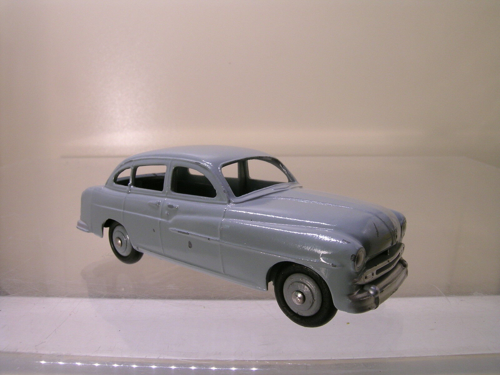 DINKY TOYS F 24X FORD VEDETTE PALE-grigio 1954 SCALE 1 43