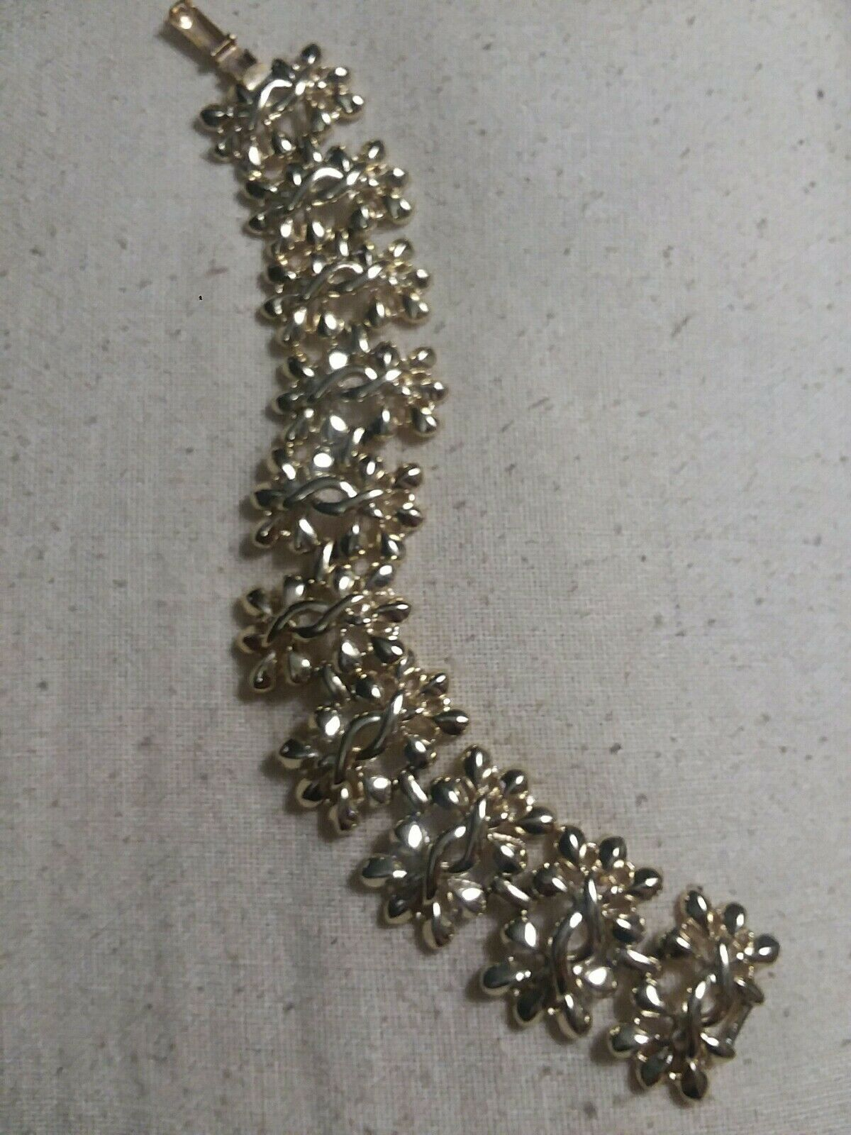 Vintage signed Cgold gold Tone Metal wide link Bracelet 7 L mid century jewelry