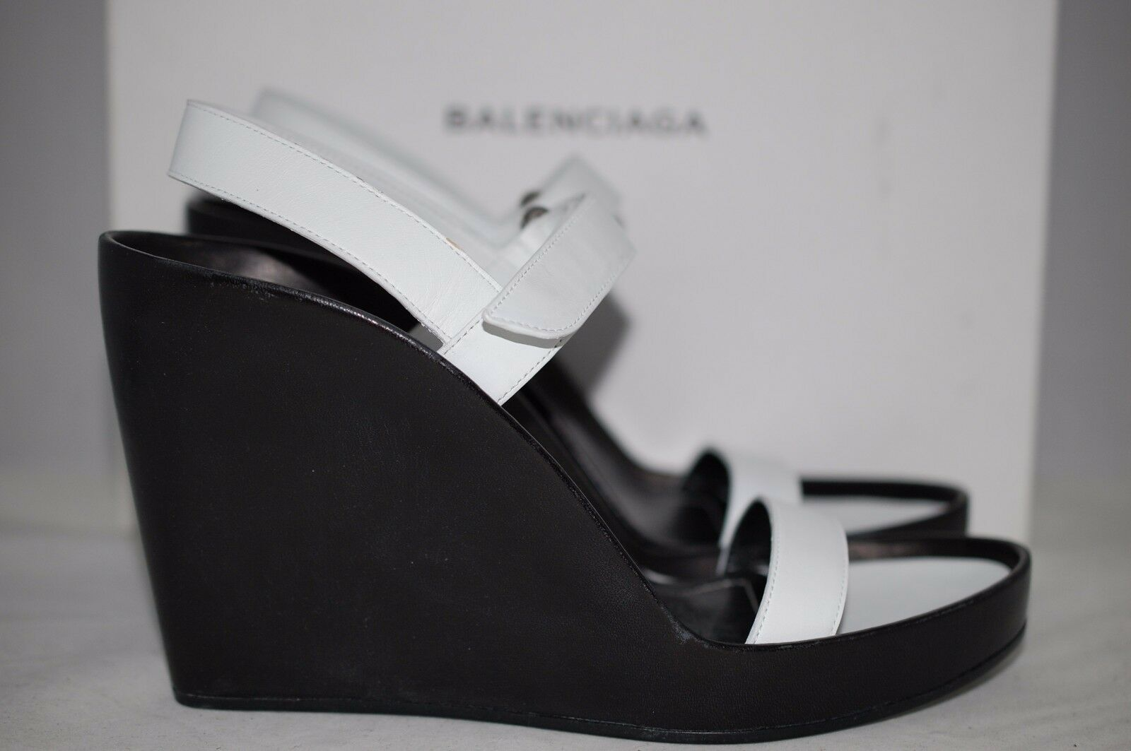 NIB  745 BALENCIAGA Pads Wedge White White White Leather Sandal Black Heel shoes 9 US  39 EU 18175e
