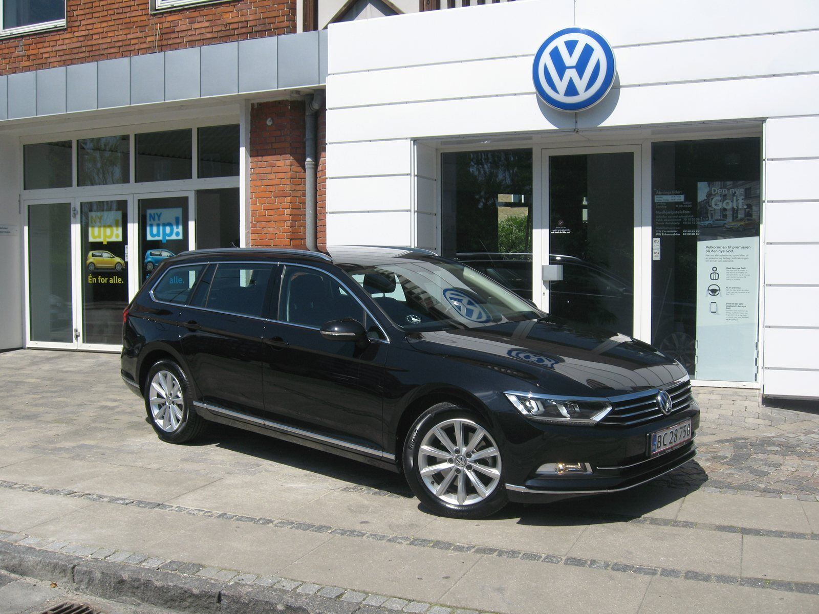 VW Passat 2,0 TSi 220 Highl. Variant DSG 5d - 399.900 kr.