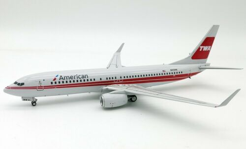 INFLIGHT 200 IF738W0618 1/200 AMERICAN AIRLINES BOEING 737-800 N915NN WITH STAND