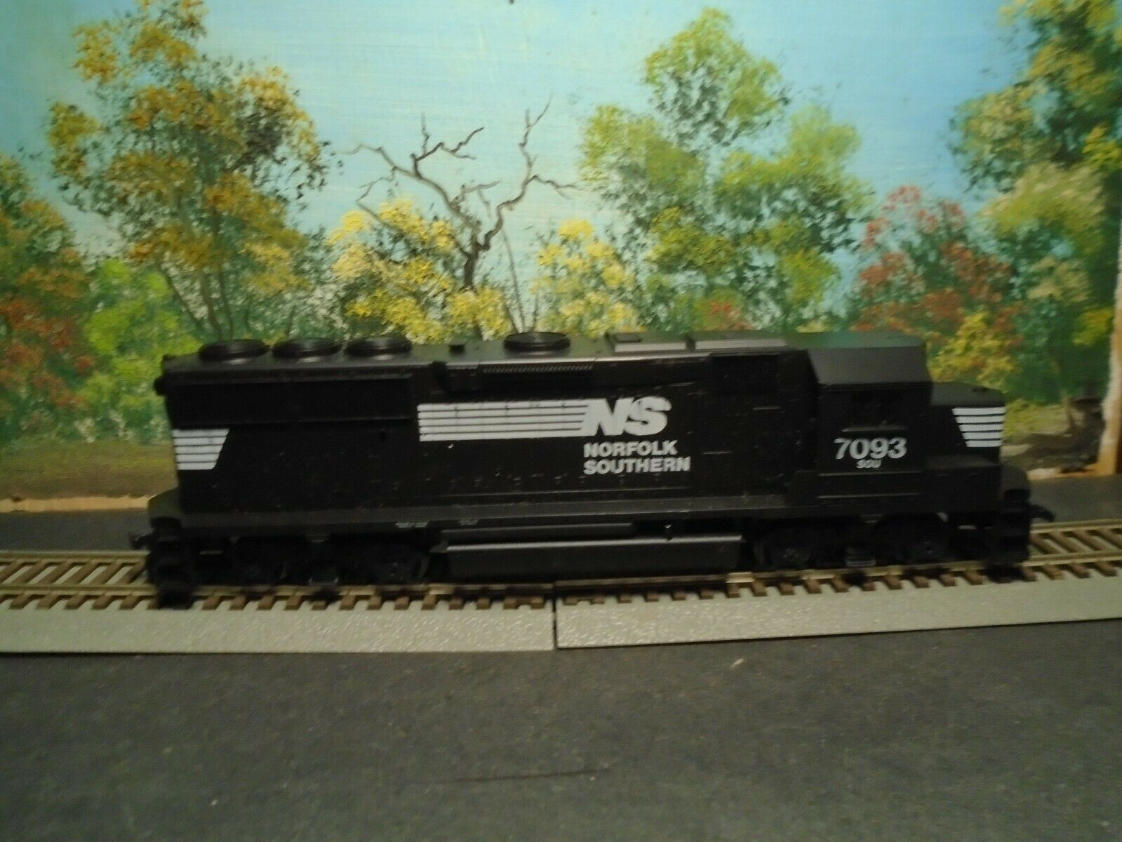 ATHEARN HO SCALE  4630 GP50  NORFOLK SOUTHERN  7093 POWErot