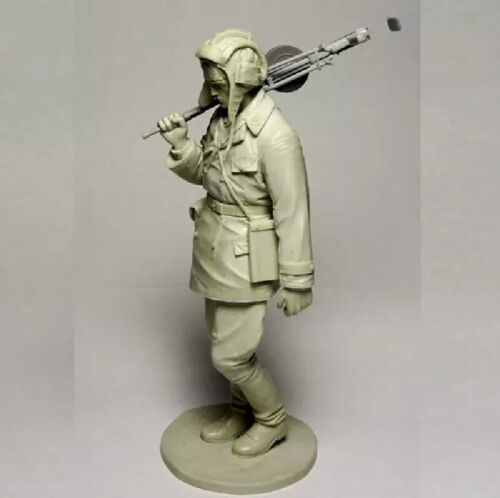 1//16 Resin Figure Model Kit Soldier After the Battle GK Military WWII Unpainted