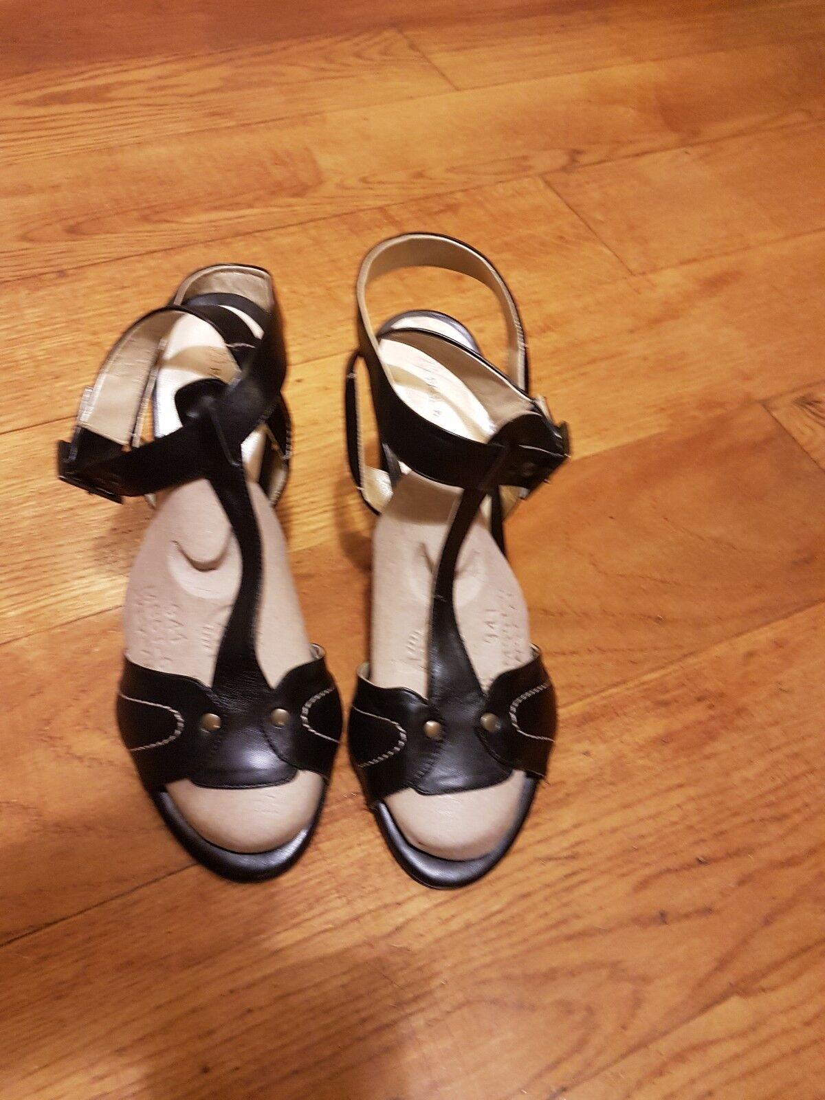 Paul & Joe Brand New Leather Sandals Heels EU40