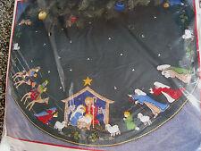 """Christmas BUCILLA Felt Applique TREE SKIRT Craft Kit,NATIVITY,82623,Manger,43"""""""