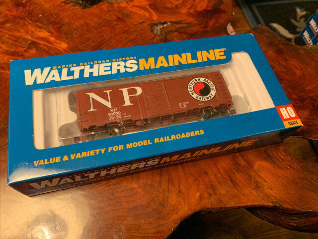 Walthers HO Scale 40' AAR Modernized 1948 Boxcar Northern Pacific/NP #46050