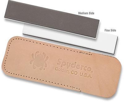 Spyderco Pocket Bench Stone Medium, Fine Grit in Leather Pouch 303MF