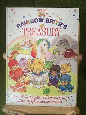 Logico Rainbow Brite's Treasury - St Michael/m & S 1985 1st Ed Hb - Vgc Prezzo Di Strada