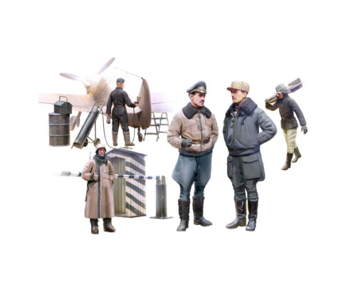 ICM 48086-1:48 WWII German Luftwaffe Pilots and Ground Personnel in Winter Uni