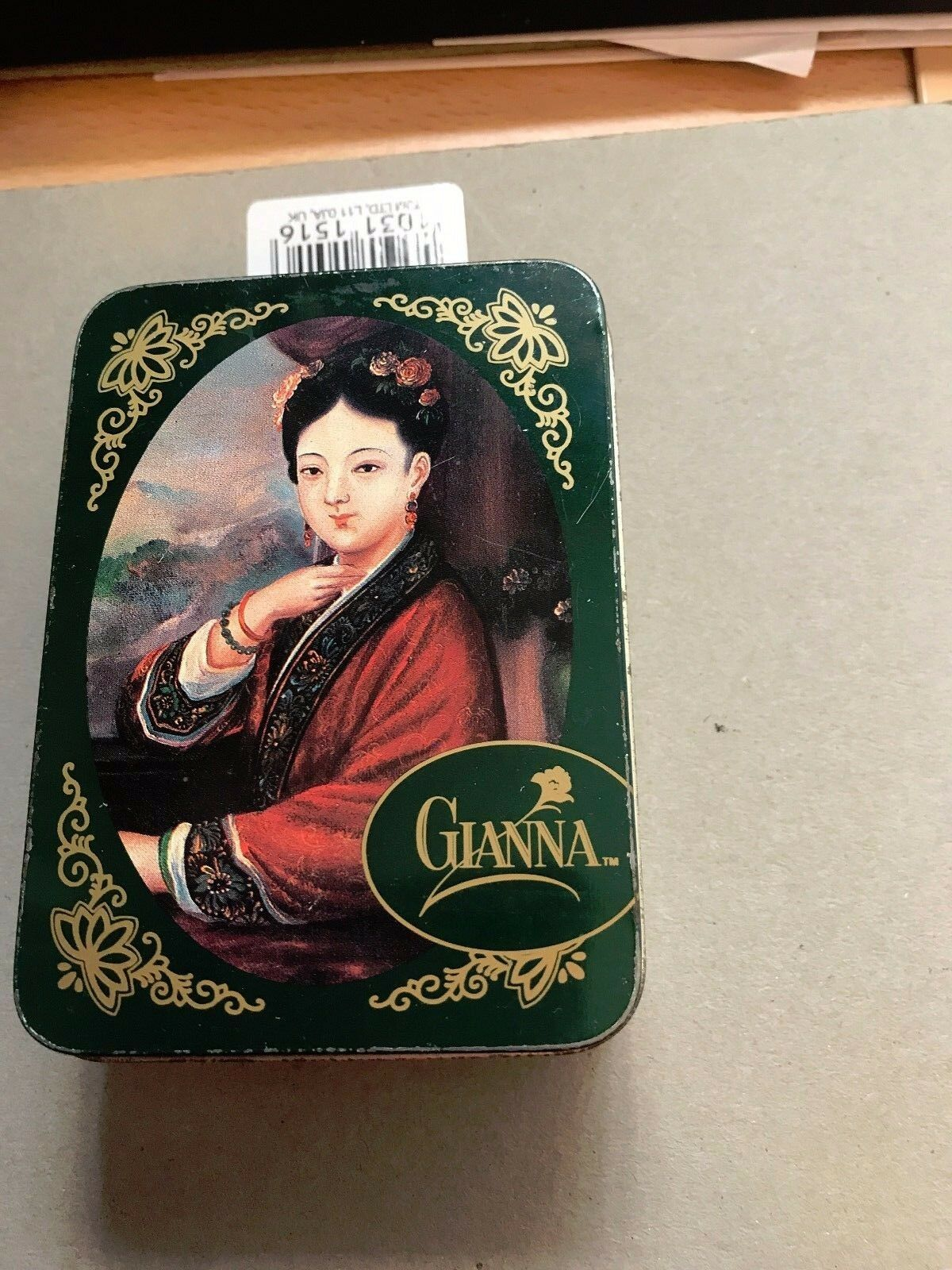 Wonderful Design storage tin for jasmine Tea