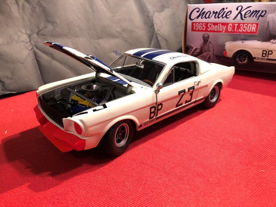 Modelbil, Shelby Mustang GT 350 , skala 1:18