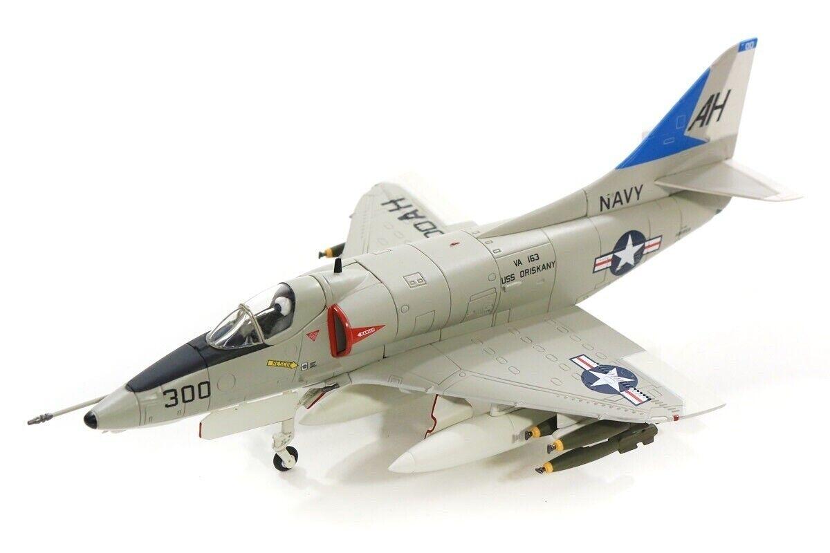Hobby Master 1 72 USN McDonnell Douglas A-4E Skyhawk-John McCain,  HA1429