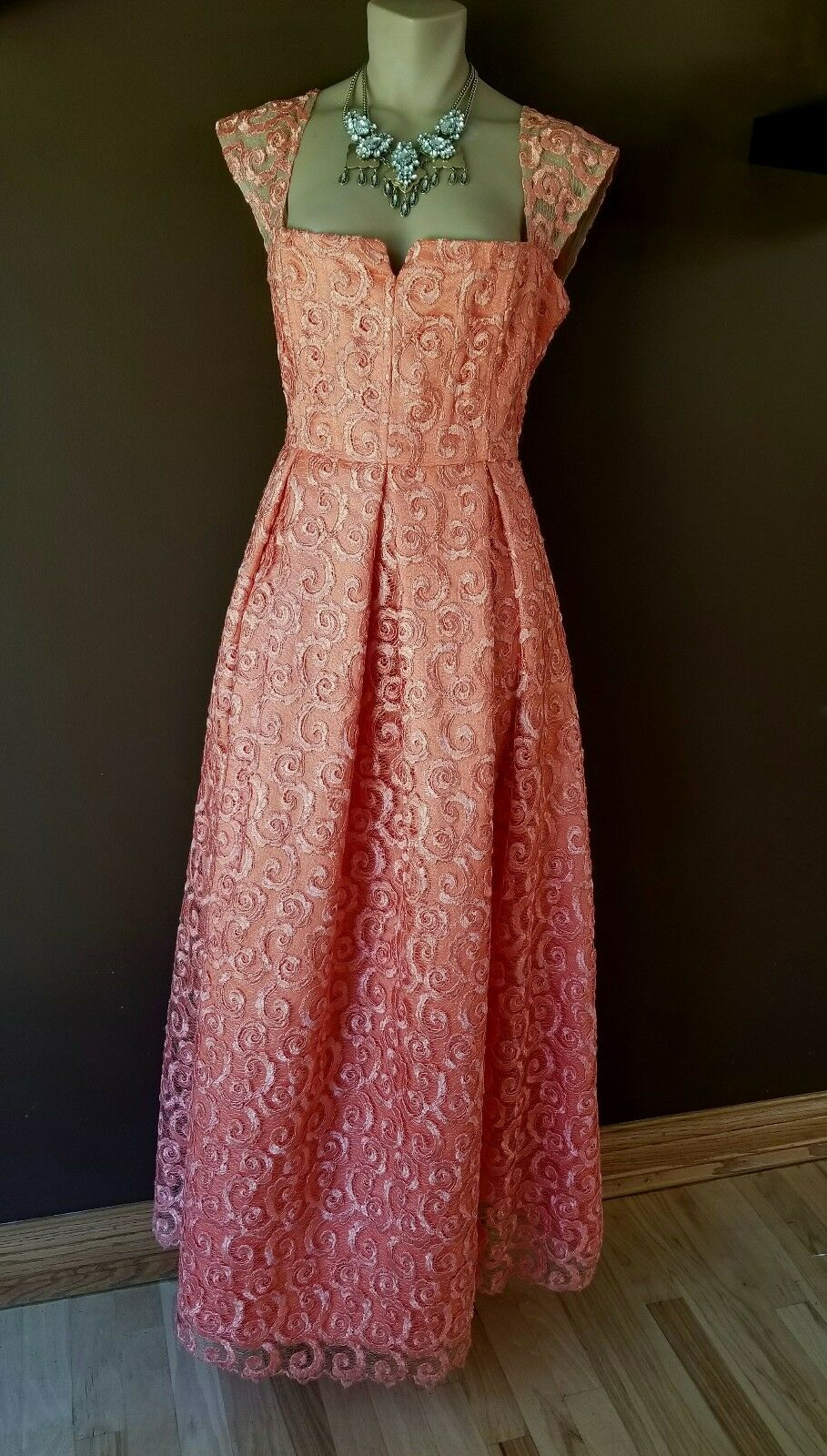 Alice and Olivia by Stacey Bendet orange with with with a hint of peach gown, Sz 12 3b0f1a