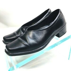 52cb4473f02 ecco Women s Sz 37 US 6 Black Leather Kitten Heel Block Slip On ...