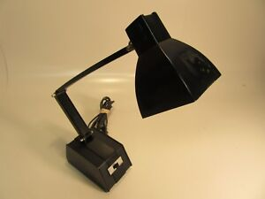 1979-Vintage-Desk-Light-302-Made-In-Twiwan