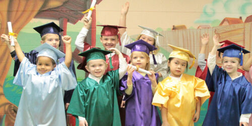 Set Of 10 Children/'s Nursery Graduation Gowns And Hats 3-6 Years Kids Costume