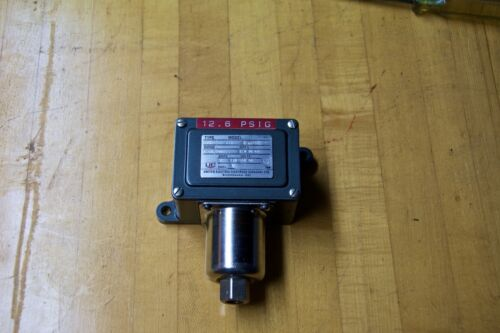 United Electric Controls Pressure Switch type J6X model 142  0-18 PSI tested