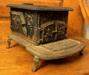 Antique-Cast-Iron-Philadelphia-Little-Willie-Fanny-Stove-Toy-Salesman-Sample