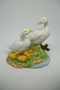 Vintage-HOMCO-1459-Figurine-Duck-Goose-Family-3-Babies-Bisque-Porcelain